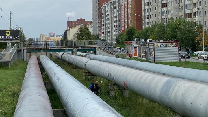 Энергетики не будут закапывать теплотрассы в тюменских микрорайонах (пока губернатор не попросит)