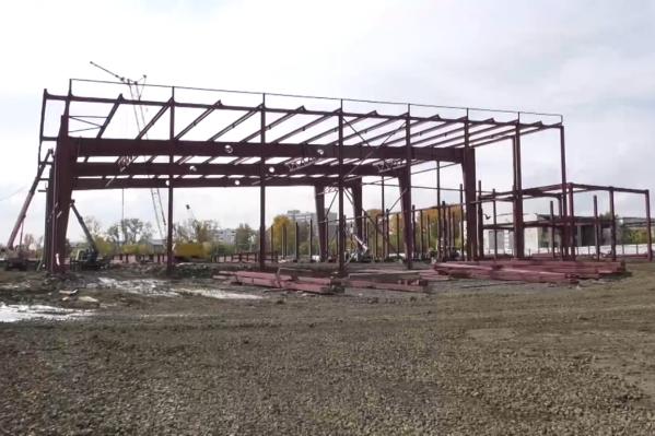 Так сейчас выглядит строительная площадка ледового комплекса