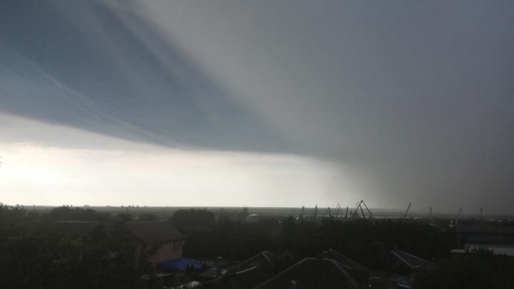 Снова ливень и ветер: спасатели продлили штормовое предупреждение в Ростове