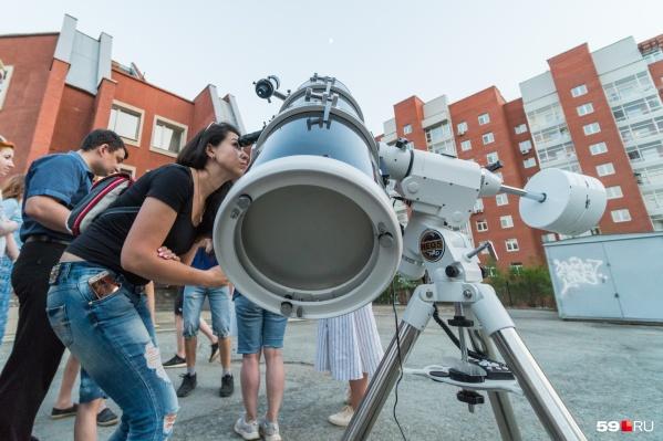 Телескоп для наблюдений за метеоритным дождем не обязателен