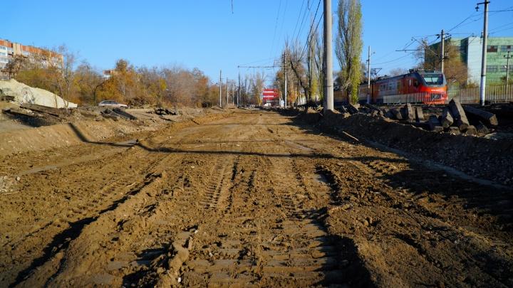 В Волгограде начали менять контактную сеть скоростного трамвая