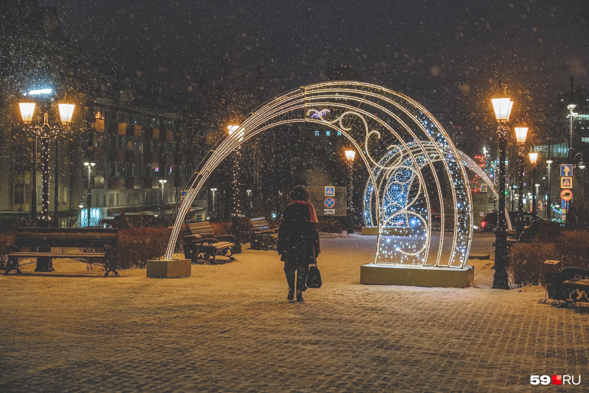 Никакой снег не скроет красоту этой арки