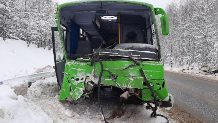 Дело по факту массовой аварии под Нытвой могут прекратить из-за смерти водителя автобуса