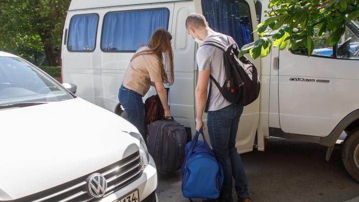 Это их гражданская позиция: в Урюпинск из Волгограда уехали шесть студентов-медиков
