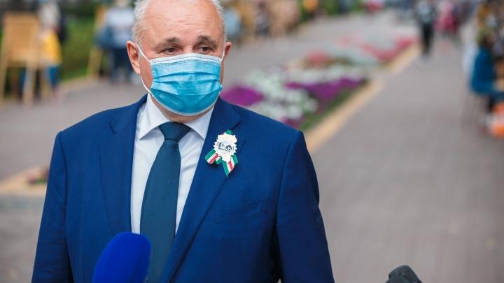«Хочешь не хочешь, вынужден перевести»: губернатор — о дистанте в кузбасских школах