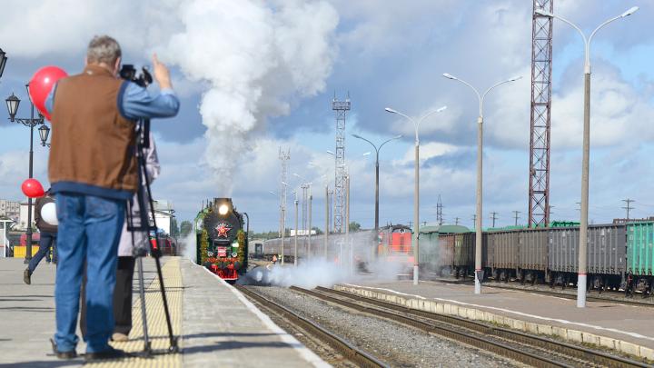 В Архангельск прибыл уникальный паровоз «Генерал»: фото изнутри ретропоезда