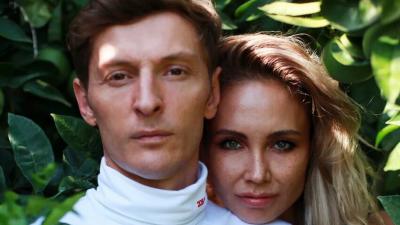 Уроженка Башкирии Ляйсан Утяшева показала на видео, чем занимается с мужем в самоизоляции