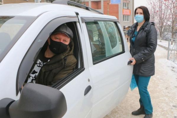 118 автомобилей отдали медикам из автопарков правительства и мэрии