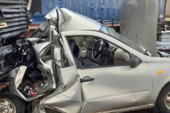 Водитель КАМАЗа рассказал, что не увидел машину, так как по цвету она сливалась с асфальтом