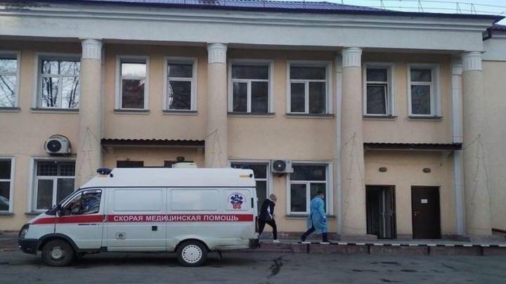 «В 23:50 наша мама умерла». В Новосибирске восьмая смерть от коронавируса — мы поговорили с родными женщины