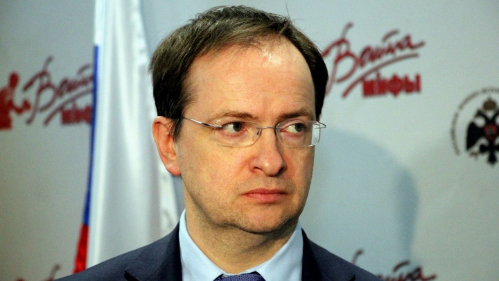 В Архангельске помощника Путина спросили, почему в России снимают военные «низкосортные боевички»