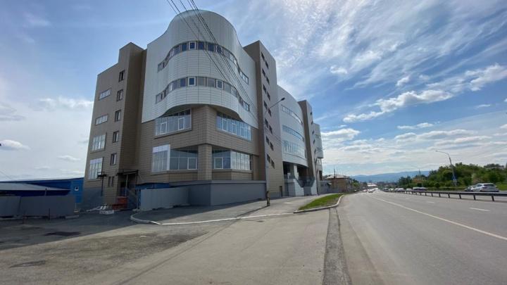 Недавно достроенный бизнес-центр на Шахтеров выставили на продажу за 750 миллионов