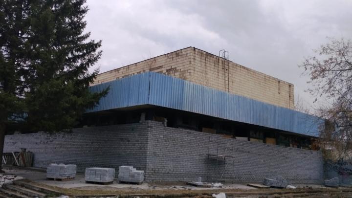 Конкурс на реконструкцию кинотеатра «Сатурн» опять не состоялся