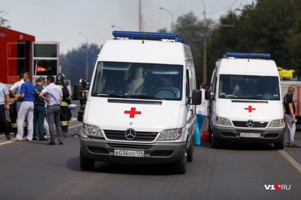 С места взрыва в больницу было доставлено сразу десять человек
