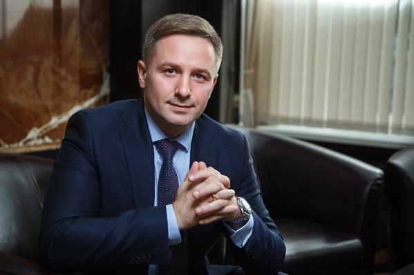 Управляющий Альфа-Банком в Челябинске Сергей Лукоянов рассказал, какраспорядиться своими финансами и почему не стоит вкладываться в доллар