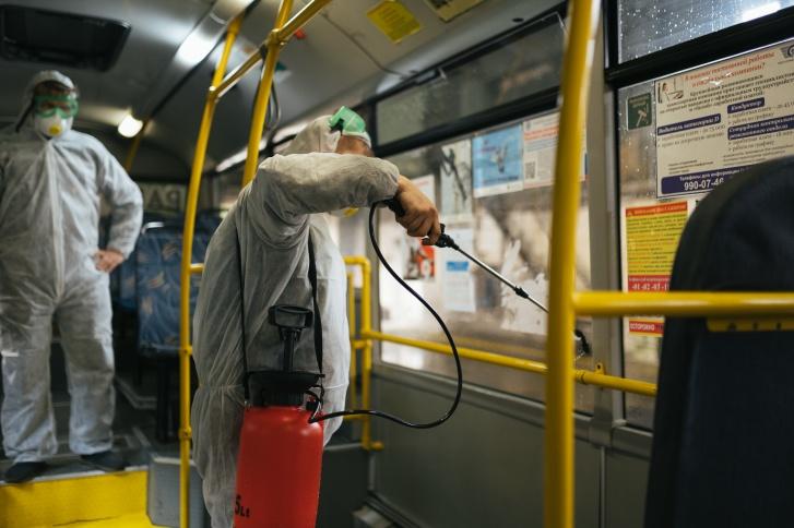 Автобусы ежедневно проходят санитарную обработку