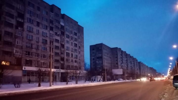 В Привокзальном районе Архангельска устраняют аварию на высоковольтной линии