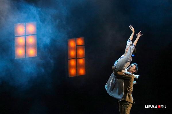 Оба балета связаны творчеством Дмитрия Шостаковича