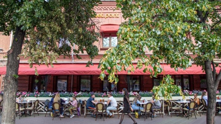Полсотни заведений Челябинска откроют летние веранды. Ищем в списке любимые кафе и рестораны