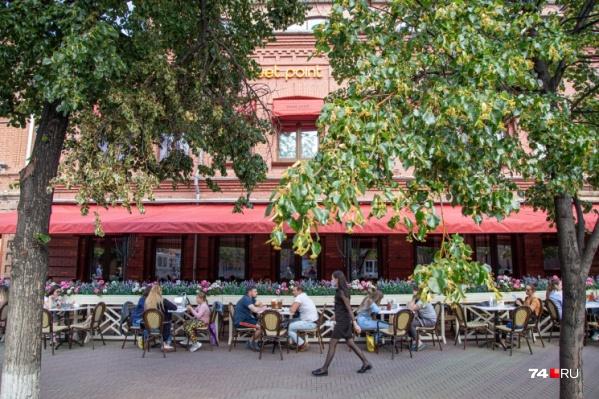 Большинство ресторанов и кафе планируют открыться с 1 июля. Ну а кто-то заработал сразу, как были объявлены послабления