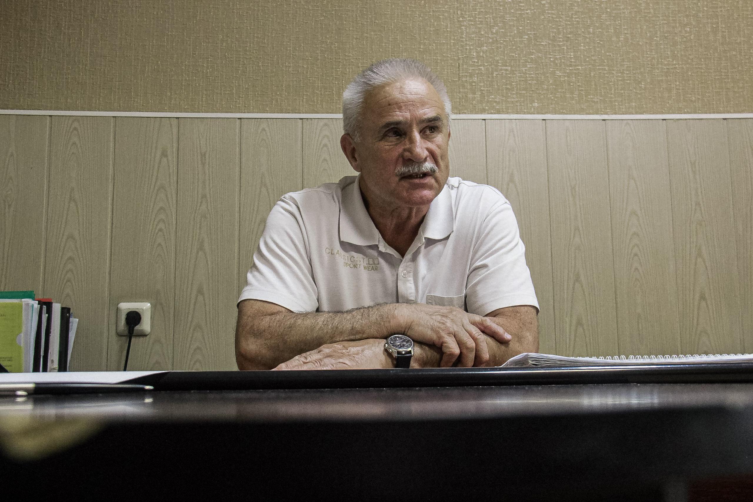 Монаенков знает всю систему изнутри: за десятилетия работы он хорошо выучил почерк преступников