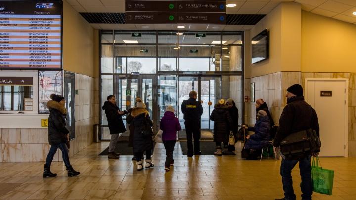 «Если появятся проблемы, количество транспорта увеличим»: число рейсов с автовокзала сократилось в два раза