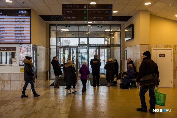 В Новосибирской области сократились пригородные и междугородние рейсы