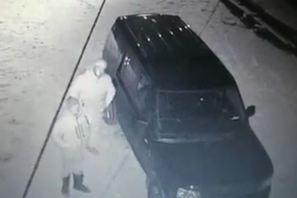 Нападавшие попали на запись камер, установленных у дома адвоката
