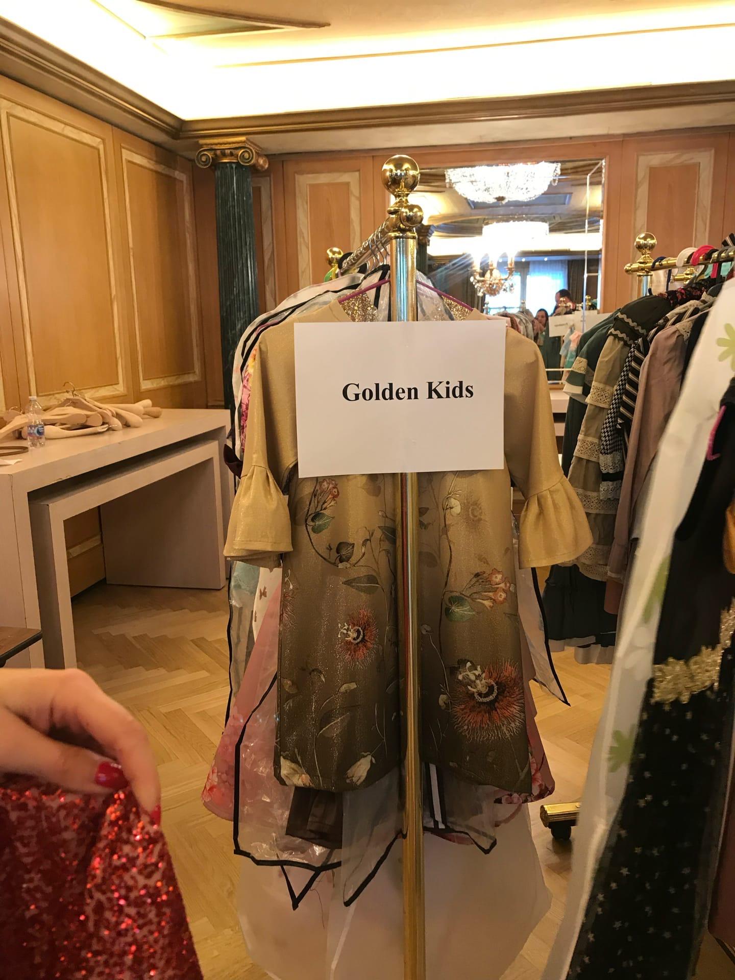 У Леры показ прошёл под брендом «Золотые дети», теперь родители пытаются его зарегистрировать в Роспатенте