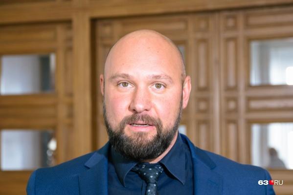 Руководителем компании-застройщика является депутат губдумы Владимир Кошелев