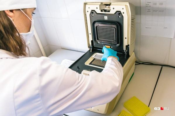 За сутки тест на коронавирус показал положительный результат у 50 человек