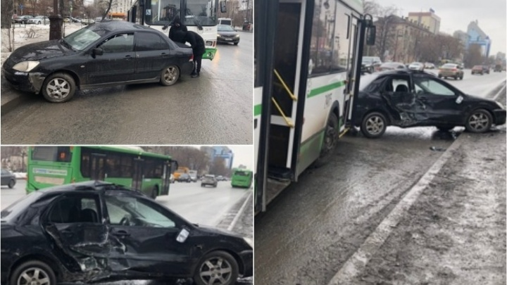 На Республики иномарка неудачно подрезала автобус, 59-летняя пассажирка получила травмы