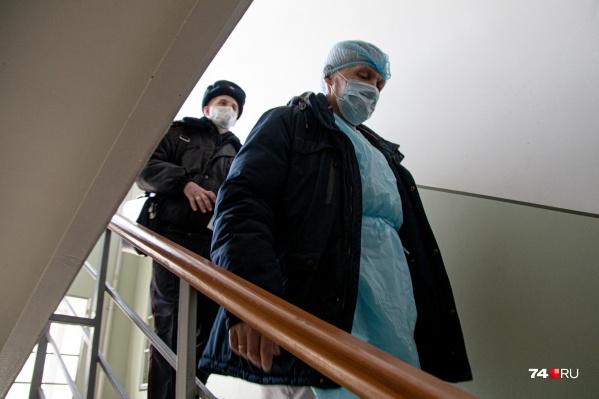 Соблюдение режима самоизоляции контролируют врачи и полиция