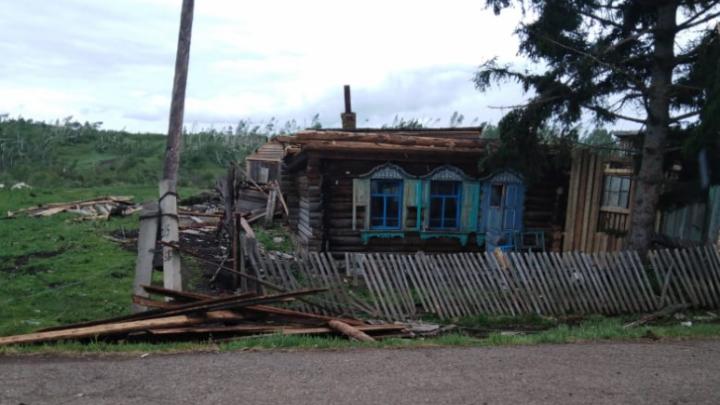 Власти Кузбасса выплатили 100 000 рублей семьям погибших во время шторма