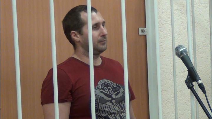 В Омске вынесли приговор продавцу технического спирта, от которого скончались семеро человек