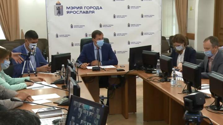 «Вместо моря — на работу»: мэр Ярославля внезапно прервал отпуск и вернулся с курорта
