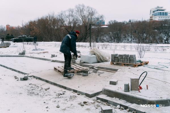 Работы на улице Щербанёва продолжаются и с приходом зимы