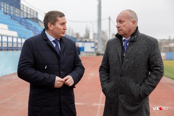 По мнению волгоградца, Виталий Лихачёв (справа) должен стать последним назначенным мэром Волгограда