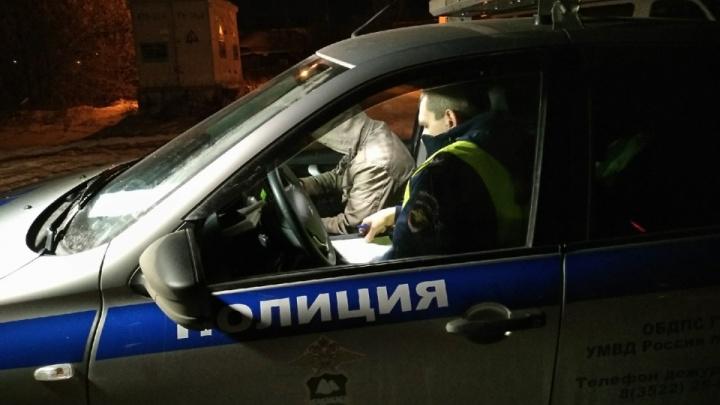 В Кургане пьяный водитель напал на инспектора ДПС