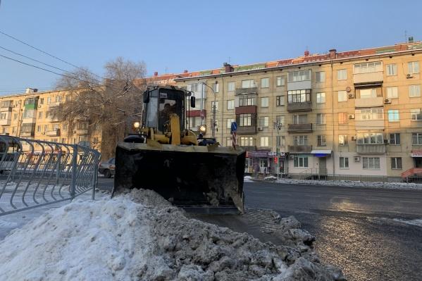 Снегоуборочная техника будет работать до конца марта