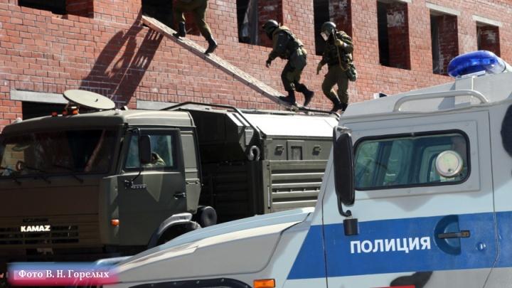 За год заработали на Infiniti и дом в Крыму: свердловские полицейские накрыли банду наркодилеров