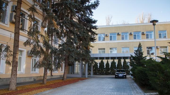 В мэрии Волгограда готовят списки работающих предприятий
