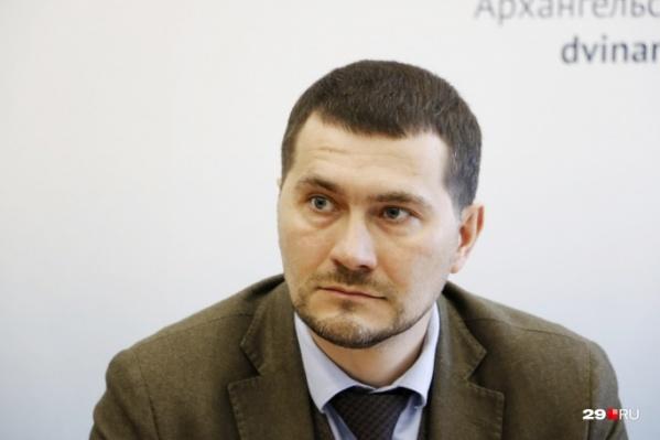 Артем Вахрушев регулярно рассказывает о ситуации с зараженными коронавирусом на территории Архангельской области