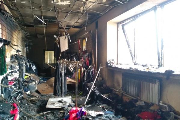 Вот так выглядит магазин, который поджёг мужчина