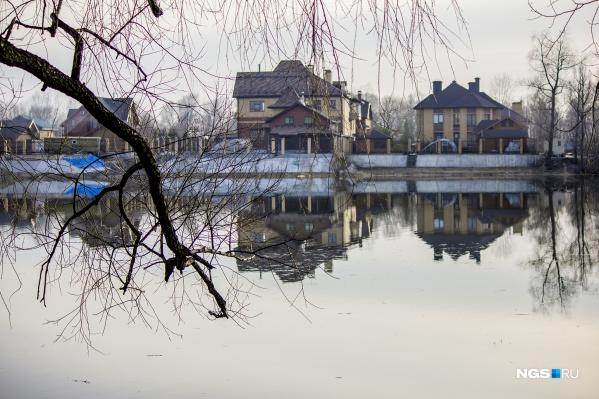 Паводок в Новосибирской области грозит 14 населённым пунктам и 300–400 дачным домам в городе