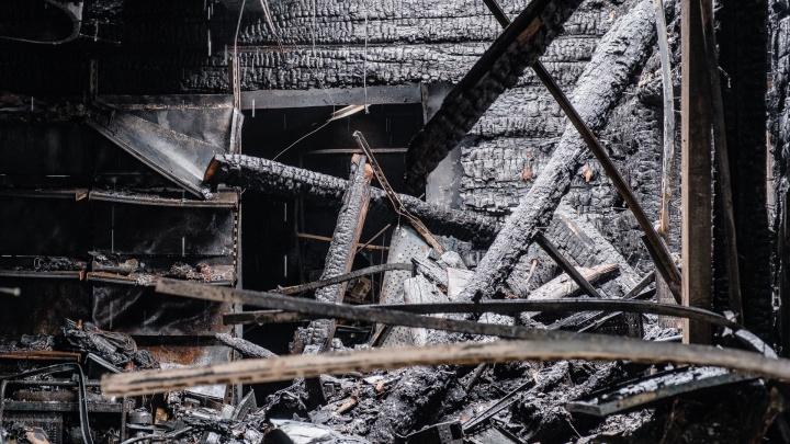 В Прикамье на пожаре погибли двухлетняя девочка и ее мать. Возбуждено уголовное дело