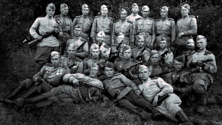 «Фронтовой инстаграм»: «Под огнём провёл связь в командный пункт»