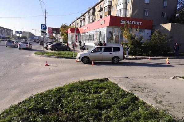 ДТП произошло в 16:20 на улице Большевистской, 175/6