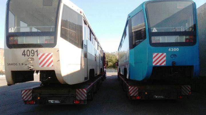 В Омск привезли ещё два московских трамвая