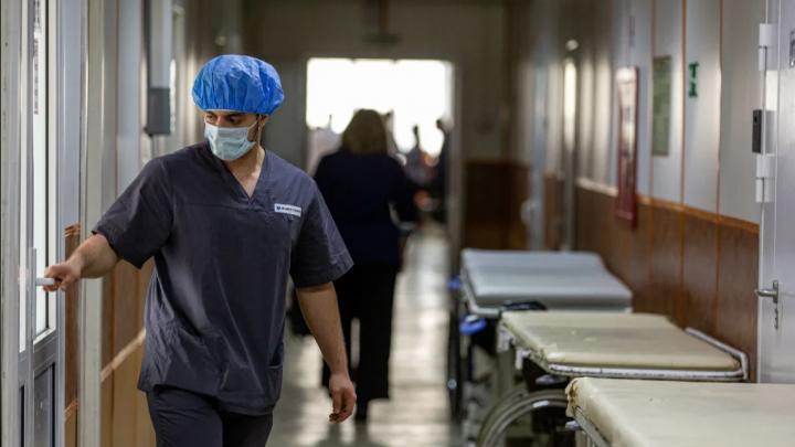 Главный санитарный врач Прикамья объяснил, с чем были связаны пики показаний по COVID-19